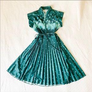 Vintage 60s Midi Pinup House Dress Small/Medium